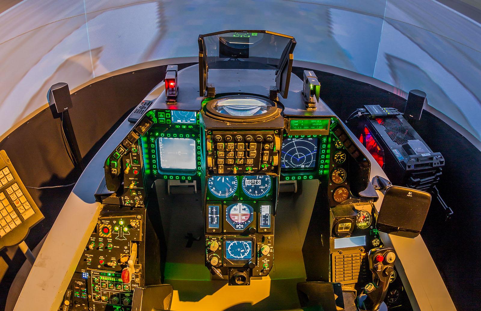 F 16 Kampfjet Flugsimulator In Windeck Flugsimulator